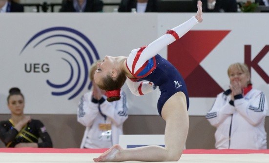 2015_European_Artistic_Gymnastics_Championships_-_Floor_-_Amy_Tinkler_15 (1)